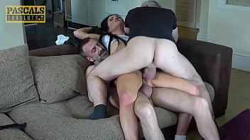 Give two men with a dick in it to satisfy her - porn movies